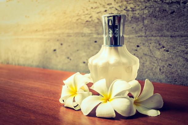 Hadiah minyak wangi untuk wanita - The Rich Scents